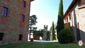 10-Montalis-Castle-complex-1024x576[1]